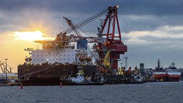 Трубоукладчик «Фортуна» в порту Висмар, Германия