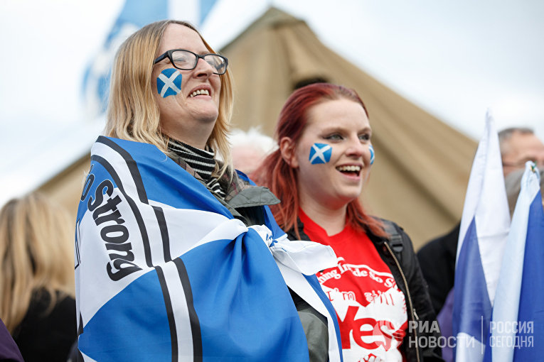 Марш за независимость Шотландии в Эдинбурге