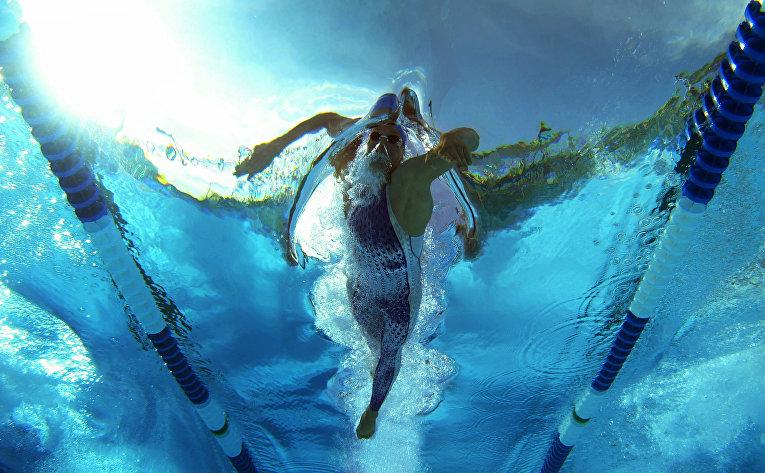 Клит Келлер устанавливает рекорд США на дистанции 400 м вольным стилем