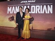"""Педро Паскаль и Джина Карано на премьере """"Мандалорца"""" в Лос-Анджелесе"""