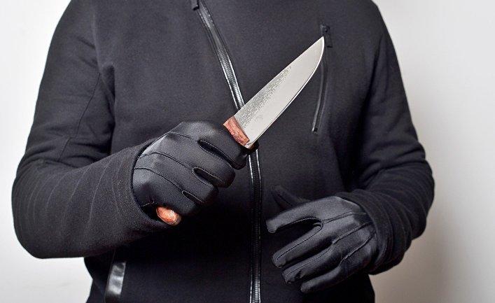 Преступник с ножом