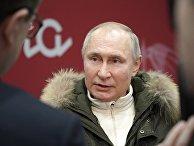 Президент РФ В. Путин посетил концерт в честь воссоединения Крыма и России