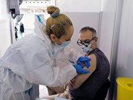 """Вакцинация российским препаратом """"Спутник V"""" в Сербии"""