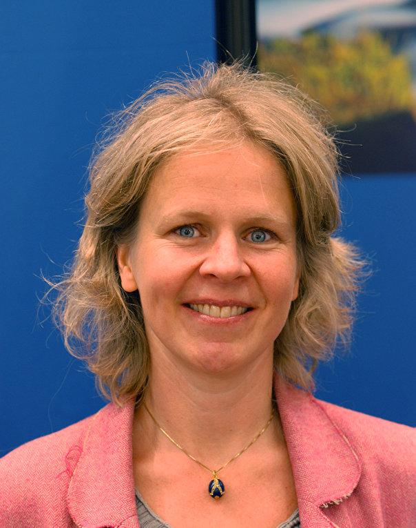 Финская шведоязычная журналистка и писательница Анна-Лена Лаурен