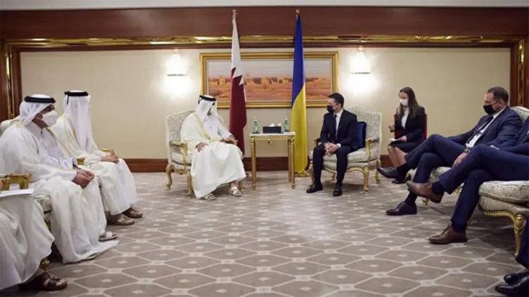 Подошвы Ермака и Кулебы. Как члены Зе-делегации нарушили этикет в Катаре