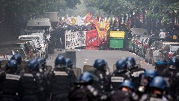 Акция протеста профсоюзов в Париже