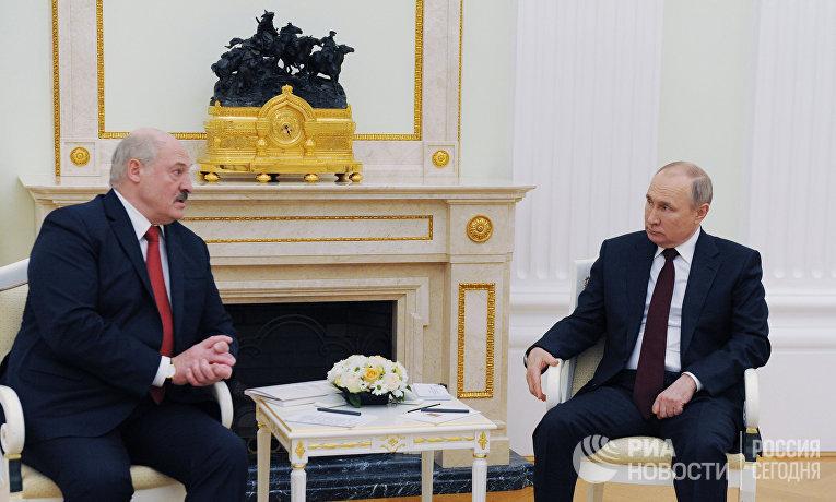Президент РФ В. Путин встретился с президентом Белоруссии А. Лукашенко