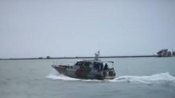 Украинский катер бросает вызов российской военной мощи