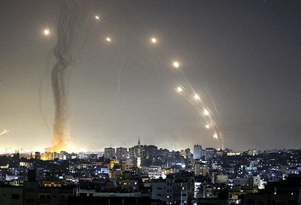 Запуск ракет из города Газы в сторону Израиля