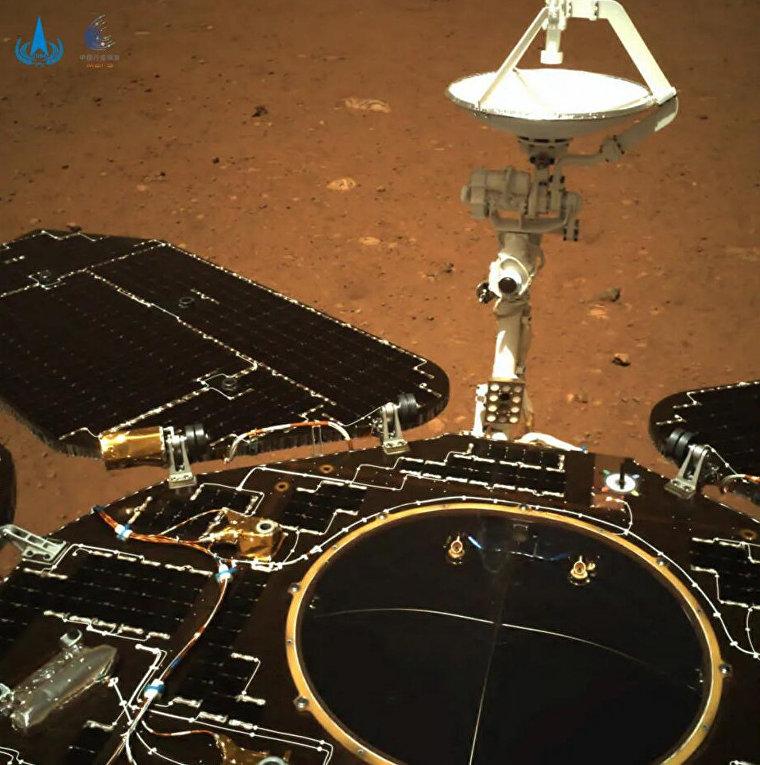 Снимок с аппарата «Тяньвэнь-1» на Марсе