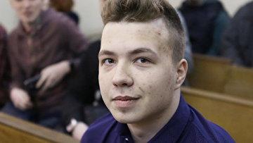 Роман Протасевич во время судебного заседания в Минске, 2017 год