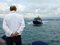 Президент РФ В. Путин и президент Белоруссии А.  Лукашенко совершили морскую прогулку