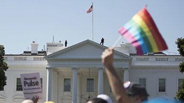 Участники гей-перада в Вашингтоне
