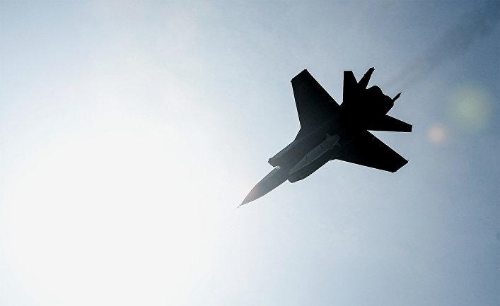 """Многоцелевой истребитель МиГ-31 с гиперзвуковой ракетой """"Кинжал"""""""