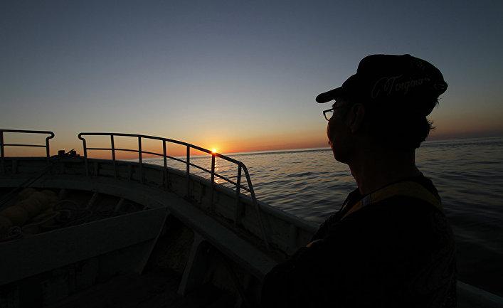 Рыбак у берегов Японии