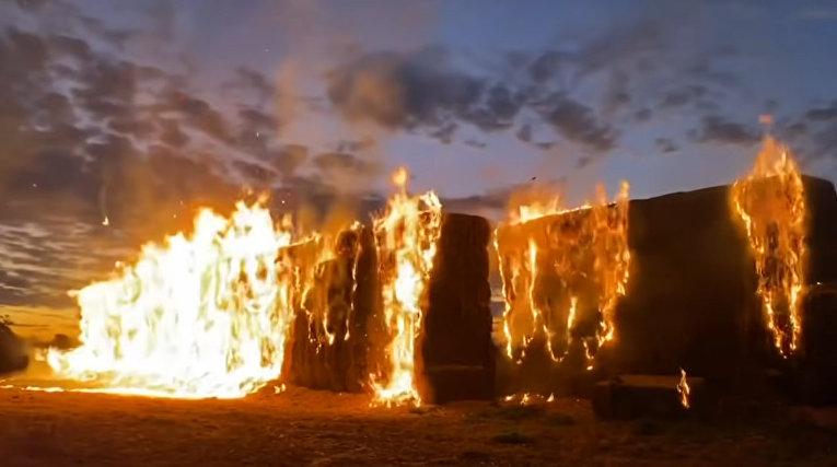 Австралийские фермеры сжигают собственный урожай