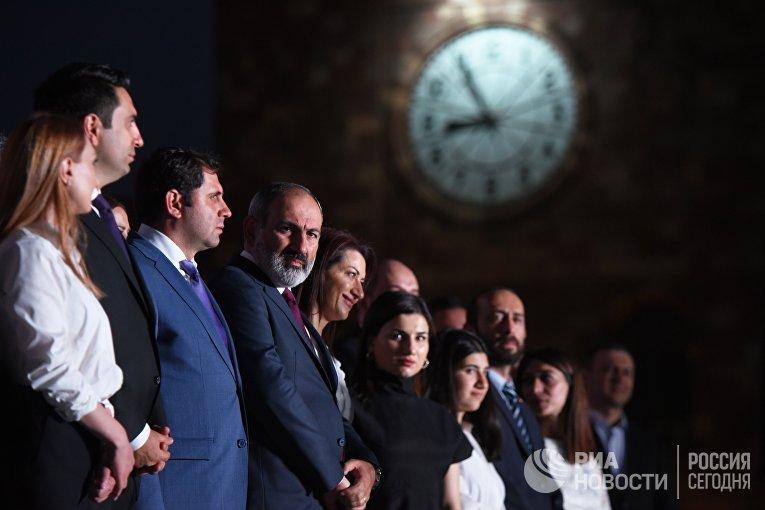 Митинг сторонников Н. Пашиняна в Ереване