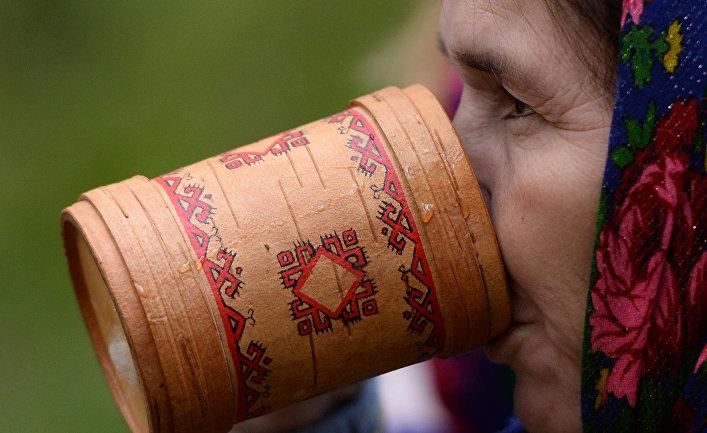 Благодатное моление последователей традиционной марийской религии в священной роще