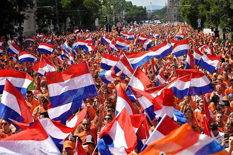 Болельщики из Нидерландов в Будапеште