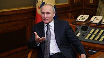 """Президент РФ В. Путин ответил на вопросы о статье """"Об историческом единстве русских и украинцев"""""""