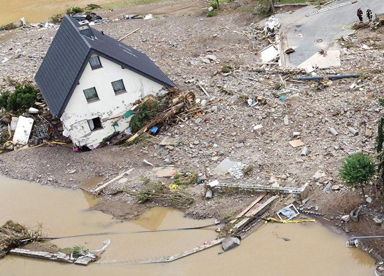 Дом, пострадавший в результате наводнения в Шульде
