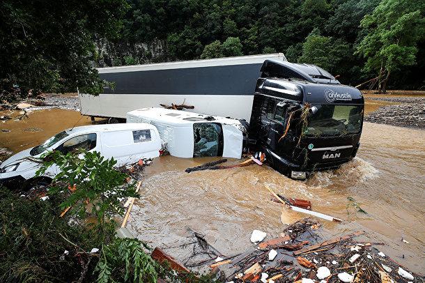 Затопленные автомобили в Шульде