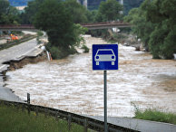 Разрушенная наводнением дорога в Бад-Нойенар-Арвайлере