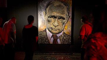 Портрет Владимира Путина в художественной галерее в Киеве