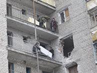 Жилой дом, поврежденный в результате обстрела в Светлодарске