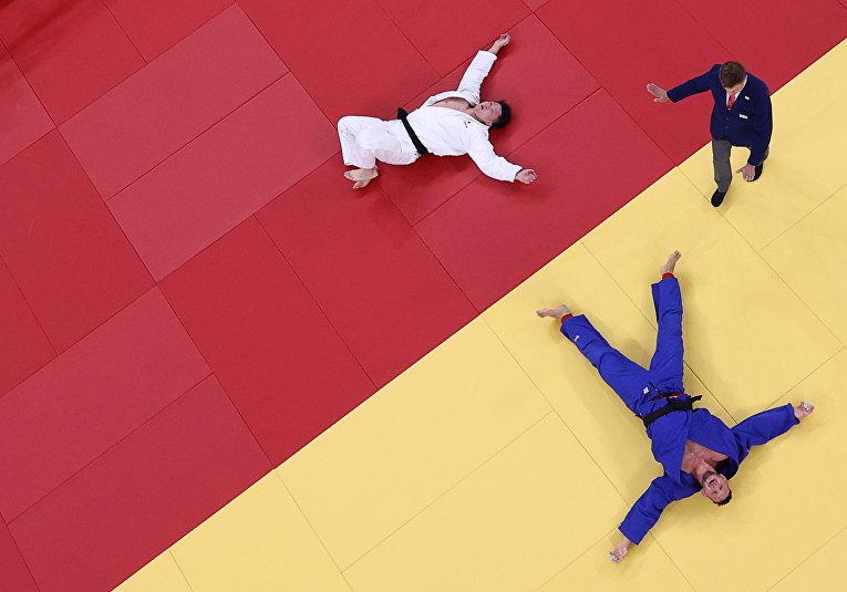 Хисаеси Харасава из Японии и Лукас Крпалек из Чешской Республики