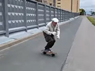 73 летний скейтер Игорь из Санкт Петербурга