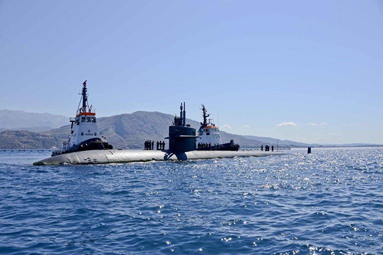"""Американская атомная подводная лодка """"Ньюпорт-Ньюс"""" у берегов Греции"""