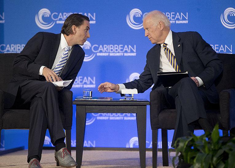 Джо Байден и Амос Хохштейн в Вашингтоне