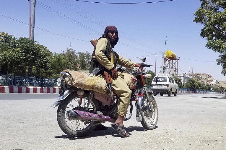 "Боевик движения ""Талибан""* в Газни, Афганистан"