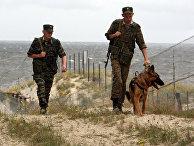 Российские пограничники в наряде на российском участке границы с Польшей