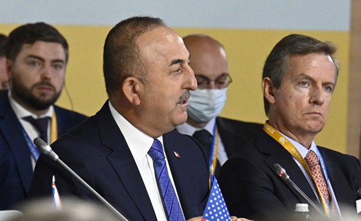 Министр иностранных дел Турции Мевлют Чавушоглу на саммите «Крымская платформа» в Киеве
