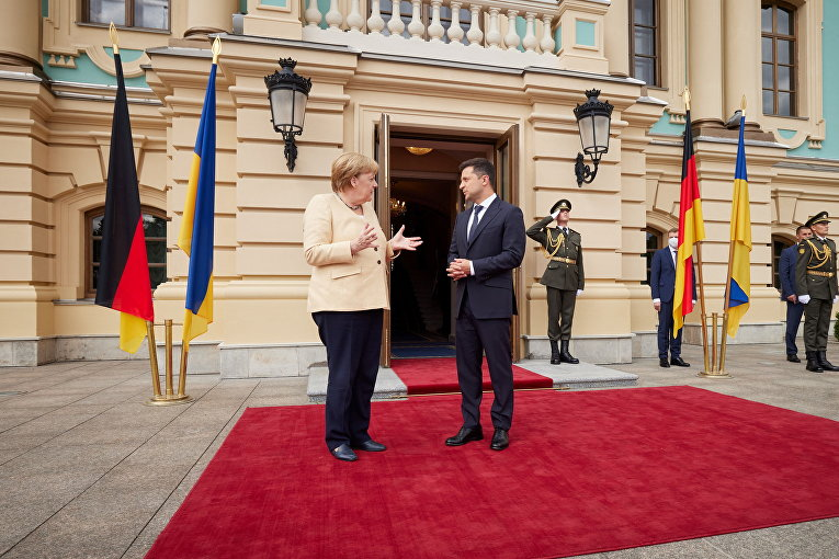 Президент Украины Владимир Зеленский и канцлер Германии Ангела Меркель