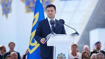 Президент Украины Владимир Зеленский произносит речь