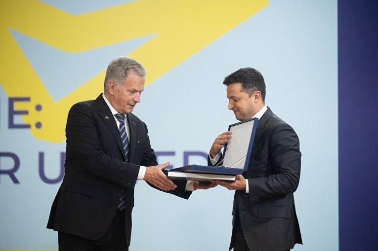 Президент Финляндии Саули Ниинистё и президент Украины Владимир Зеленский