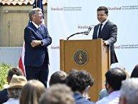 Президент Украины Владимир Зеленский выступил перед экспертами Стэнфордского университета