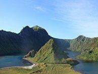 Остров Янкича, Курильские острова