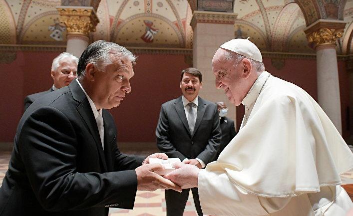 Папа Римский Франциск и премьер-министр Венгрии Виктор Орбан в Будапеште, Венгрия