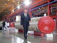 Президент РФ Владимир Путин во время посещения «Челябинского трубопрокатного завода»
