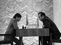 Финальный матч претендентов Виктора Корчного и Анатолия Карпов (слева).