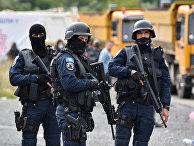 Сотрудники полиции в Яринье, Косово