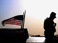 Американский солдат на военном корабле в Манаме, Бахрейн