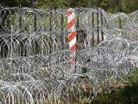 Пограничные столбы на белорусско-польской границе возле деревни Уснар-Дольное