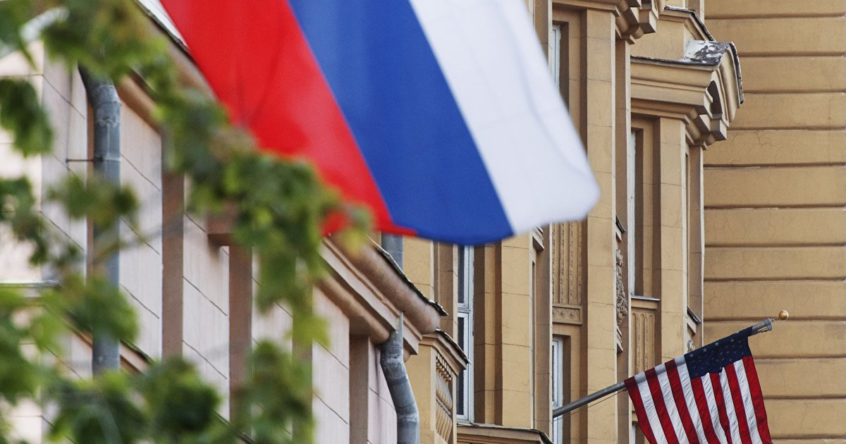МИД России: если сенаторы США вышлют триста российских дипломатов, Россия закроет все американские загранучреждения в стране (Гуаньча, Китай) (Гуаньч