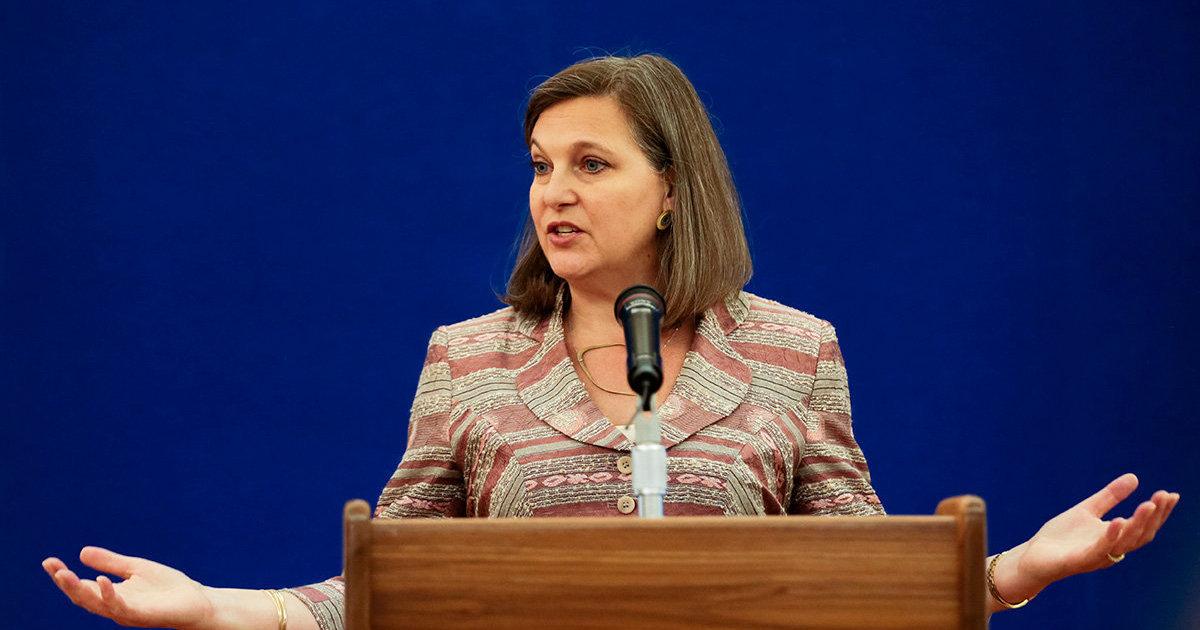 Она будет в России: Соединенные Штаты согласились отменить санкции, чтобы заместитель госсекретаря США могла поехать в Москву (Daily Express, Великоб