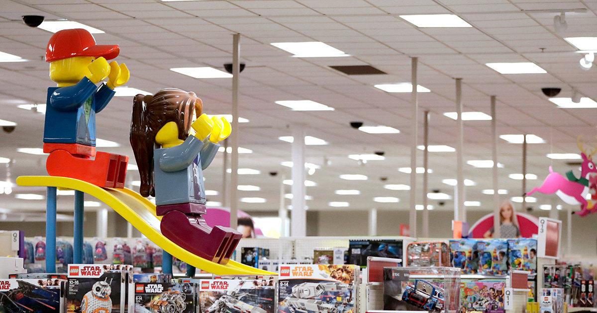 Прогресс продолжается: Супермен-бисексуал и гендерно-нейтральные игрушки (Труд, Болгария) (Труд)